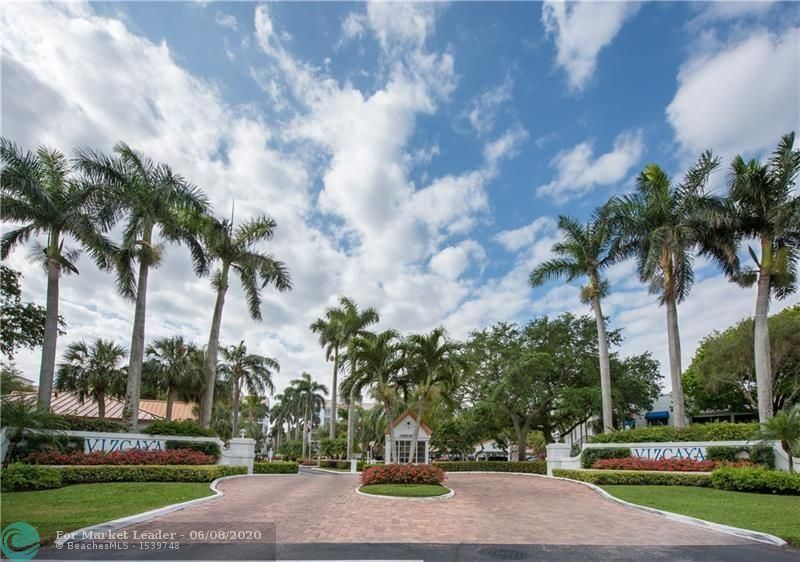 Photo of 4128 W Palm Aire Dr #281-A, Pompano Beach, FL 33069 (MLS # F10232837)