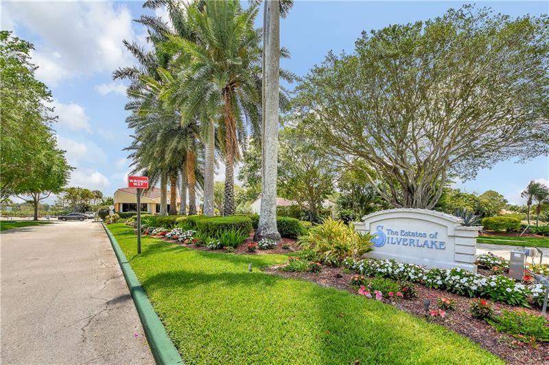 2612 SW 23rd Cranbrook Dr, Boynton Beach, FL 33436 - MLS#: F10271842