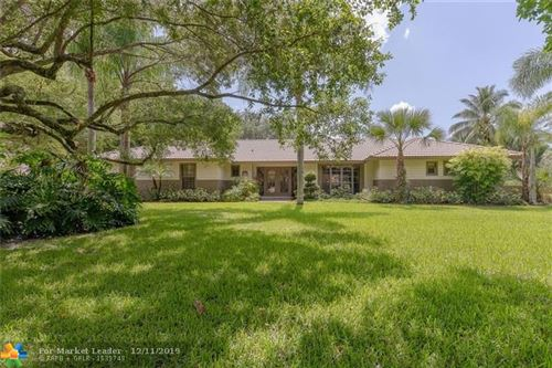 Photo of 6901 E Cypresshead Dr, Parkland, FL 33067 (MLS # F10204846)