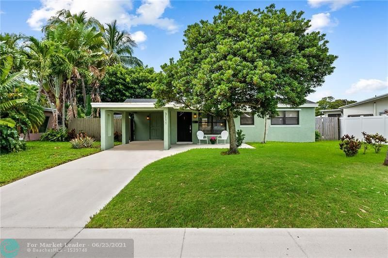 Photo of 3111 SW 18th St, Fort Lauderdale, FL 33312 (MLS # F10289848)