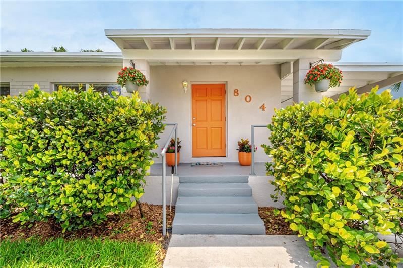 Photo of 804 NW 19th St, Fort Lauderdale, FL 33311 (MLS # F10281850)