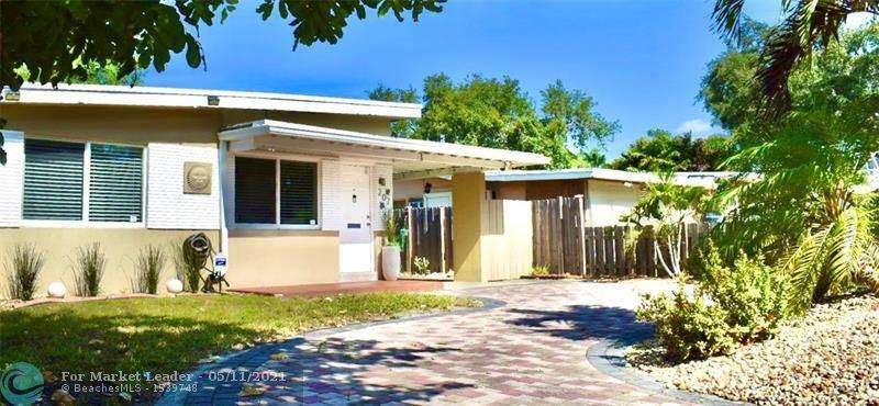 Photo of 207 NE 14th Ave, Pompano Beach, FL 33060 (MLS # F10283854)