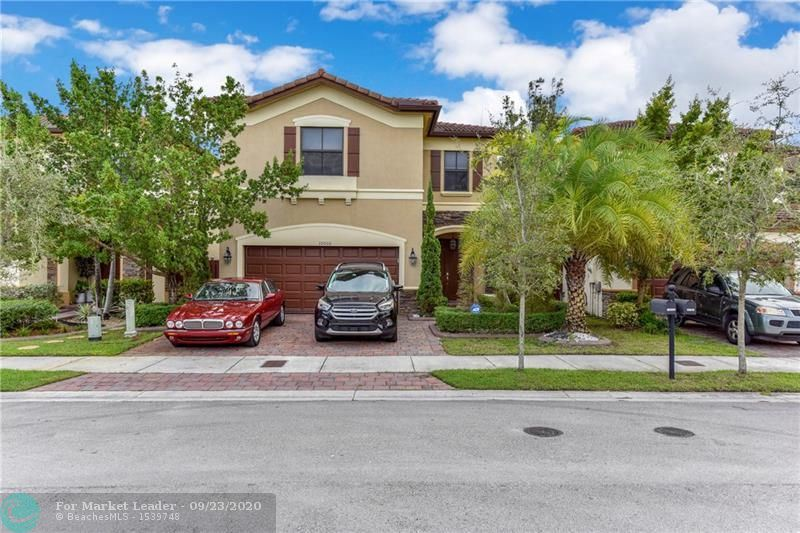 Photo of 10000 NW 86th Ter, Doral, FL 33178 (MLS # F10249864)