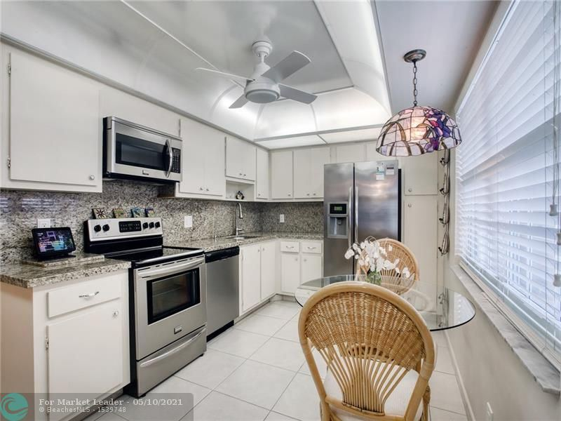Photo of 3510 Oaks Way #702, Pompano Beach, FL 33069 (MLS # F10282864)