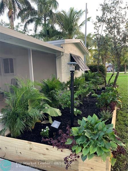 Photo of 4664 SW 38th Terrace, Fort Lauderdale, FL 33319 (MLS # F10249865)