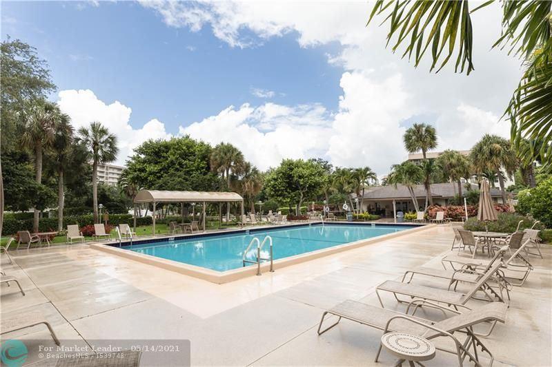 Photo of 3505 Oaks Way #211, Pompano Beach, FL 33069 (MLS # F10283866)