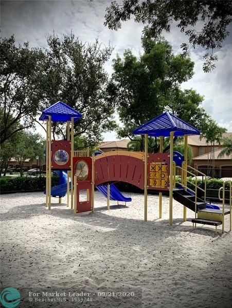 Photo of 1495 Estancia Cir, Weston, FL 33327 (MLS # F10249869)