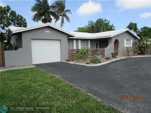 Photo of 2524 NW 9th Ter, Wilton Manors, FL 33311 (MLS # F10230875)