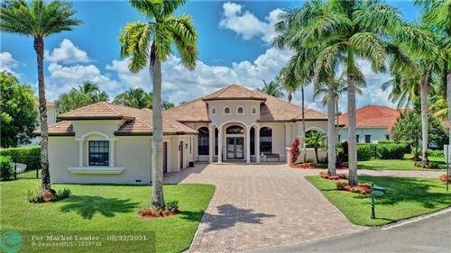 Photo of 12440 N Stonebrook Cir, Davie, FL 33330 (MLS # F10297876)