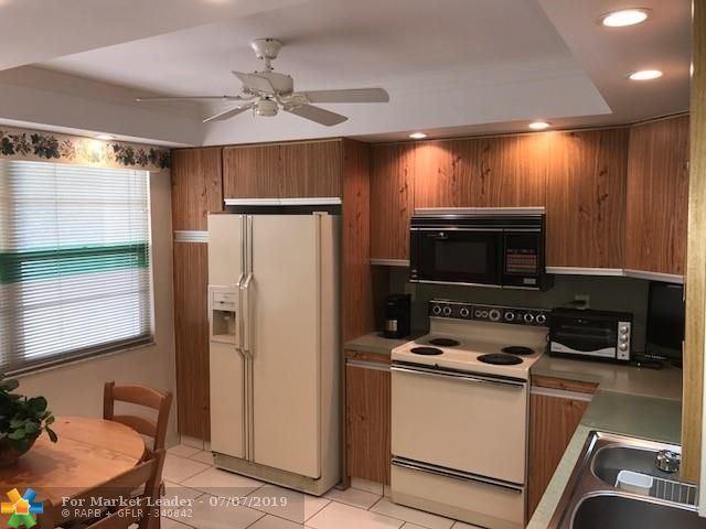 Photo for 2303 Lucaya Ln #B-3, Coconut Creek, FL 33066 (MLS # F10183883)