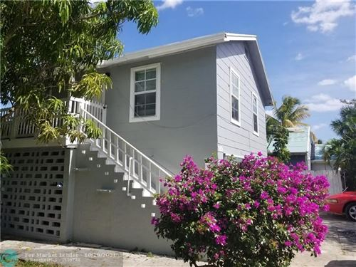 Photo of 909 Upland Rd, West Palm Beach, FL 33401 (MLS # F10304884)