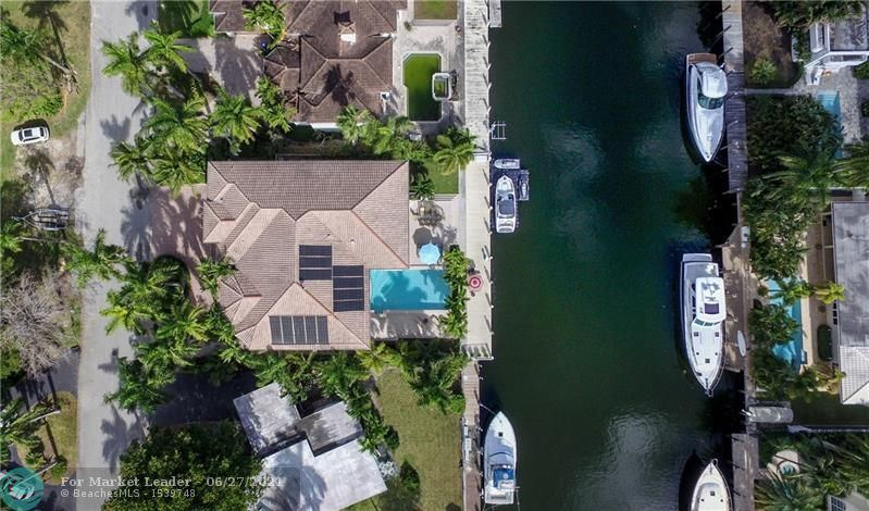 Photo of 30 FIESTA WAY, Fort Lauderdale, FL 33301 (MLS # F10289886)