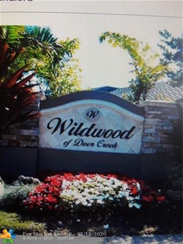 Photo of 527 Wildwood, Deerfield Beach, FL 33442 (MLS # F10211891)
