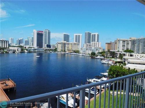 Foto de inmueble con direccion 400 Golden Isles Dr #55 Hallandale Beach FL 33009 con MLS F10242892