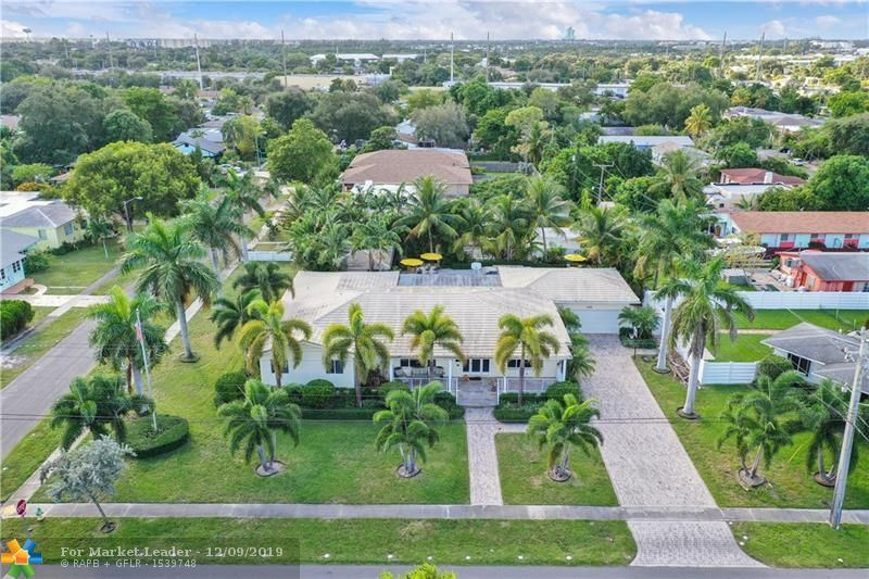 Photo of 420 SW 2nd  Ave, Dania Beach, FL 33004 (MLS # F10205892)