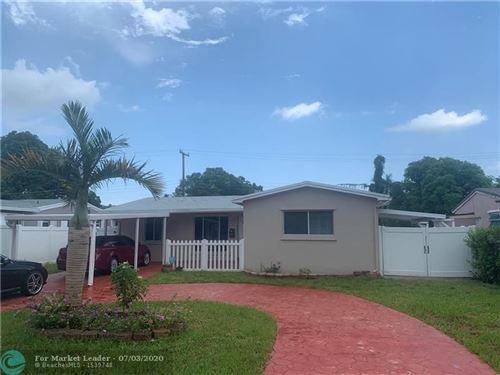 Photo of 421 SW 10th Ter, Hallandale, FL 33009 (MLS # F10236897)