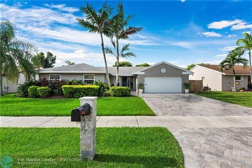Photo of 14510 Greenbriar Pl, Davie, FL 33325 (MLS # F10251900)