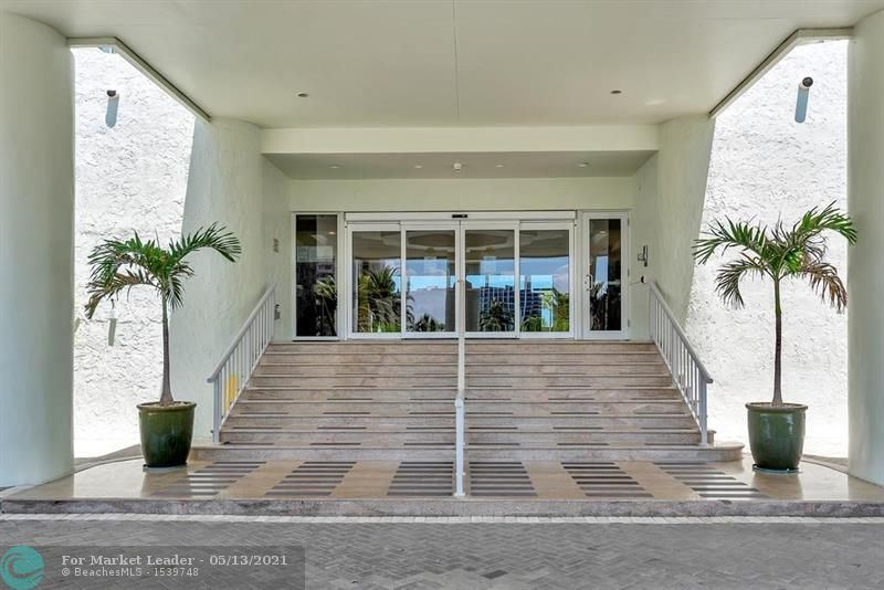 Photo of 3410 Galt Ocean Dr #1207, Fort Lauderdale, FL 33308 (MLS # F10282902)