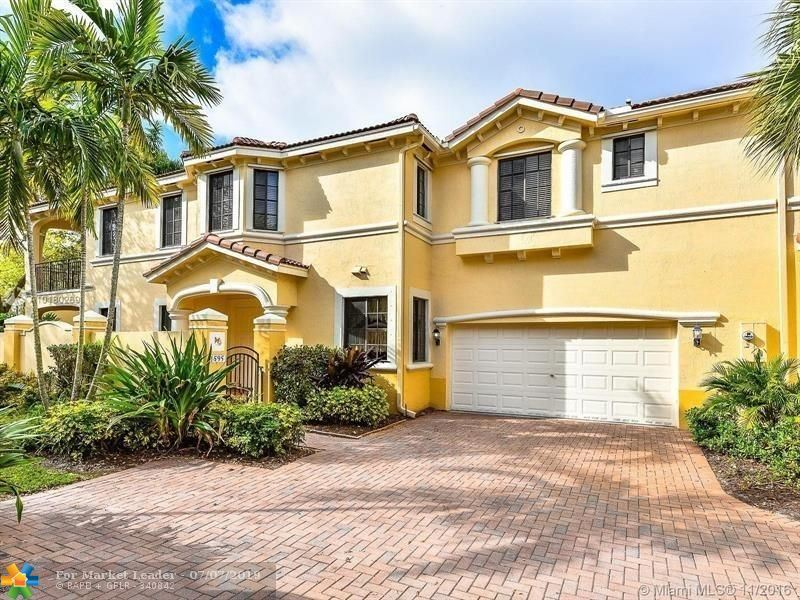 Photo for 1595 Passion Vine Cir #11-1, Weston, FL 33326 (MLS # F10179912)