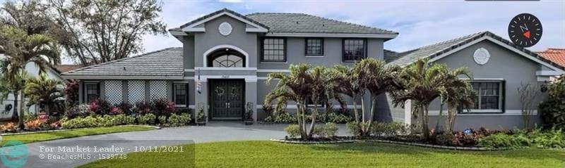 Photo of 19410 NW 8th St, Pembroke Pines, FL 33029 (MLS # F10303912)