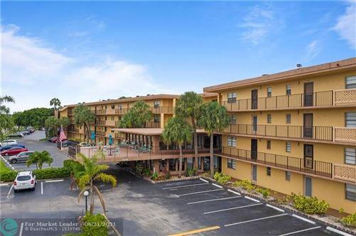 Photo of 9370 SW 8th St #418, Boca Raton, FL 33428 (MLS # F10289916)
