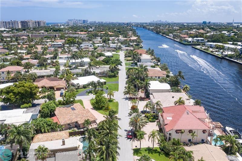 Photo of 1937 E Windward Drive, Lauderdale By The Sea, FL 33062 (MLS # F10293920)