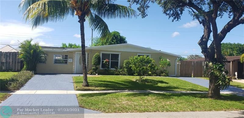 Photo of 5701 SW 38th Ct, Davie, FL 33314 (MLS # F10293922)