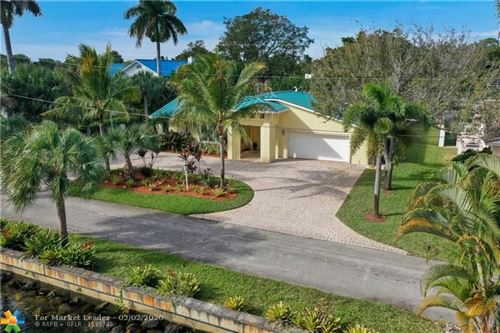 Photo of Listing MLS f10213934 in 2411 SW 28th Ave Fort Lauderdale FL 33312