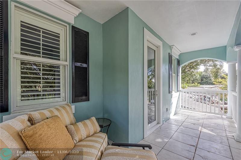Photo of 917 SE 5th Ct, Fort Lauderdale, FL 33301 (MLS # F10256935)