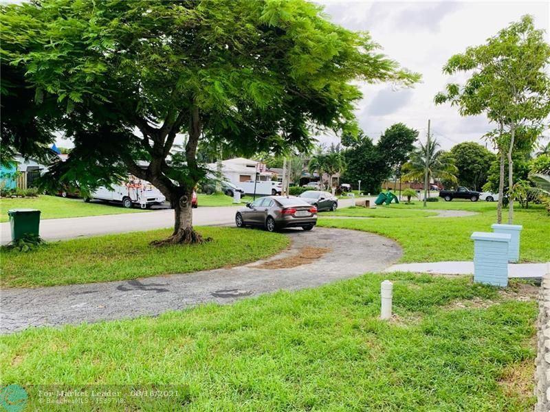 Photo of 5631 SW 56th St, Davie, FL 33314 (MLS # F10296943)