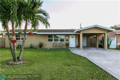 Photo of 8620 NW 10th St, Pembroke Pines, FL 33024 (MLS # F10265946)