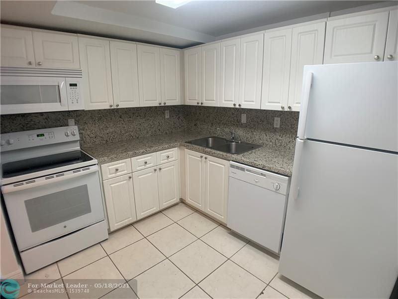 Photo of 9357 SW 77 Ave #9305-431, Miami, FL 33156 (MLS # F10284953)