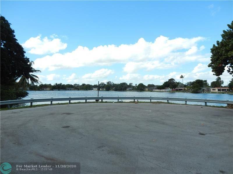 Photo of 6708 Ficus Dr, Miramar, FL 33023 (MLS # F10259961)