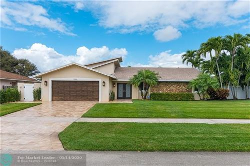 Photo of Listing MLS f10228974 in 17763 Holly Brook Way Boca Raton FL 33487