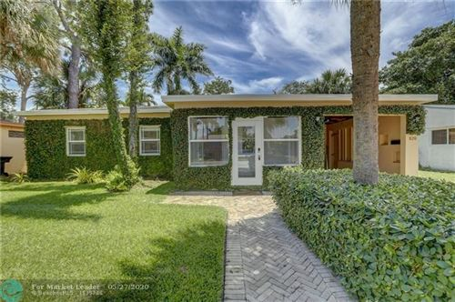 Photo of 820 SW 26th St, Fort Lauderdale, FL 33315 (MLS # F10230979)