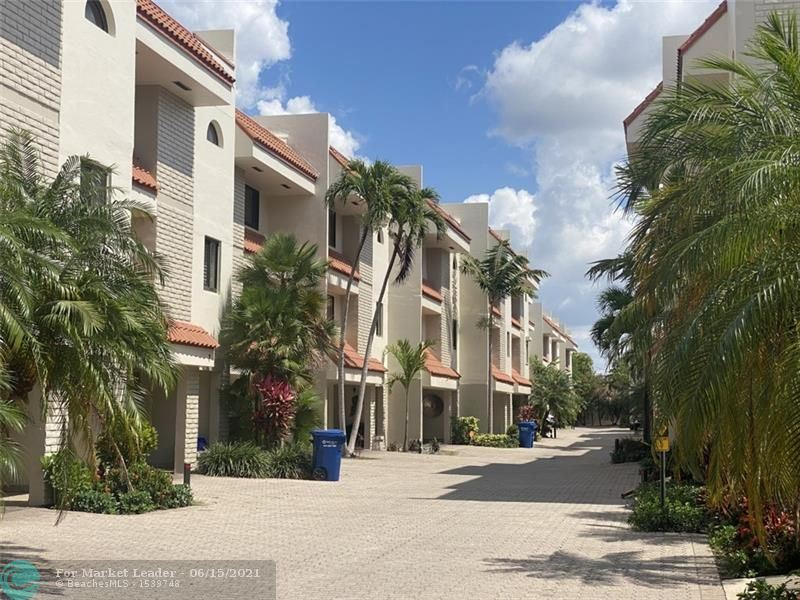 Photo of 1401 NE 9th St #31, Fort Lauderdale, FL 33304 (MLS # F10288979)