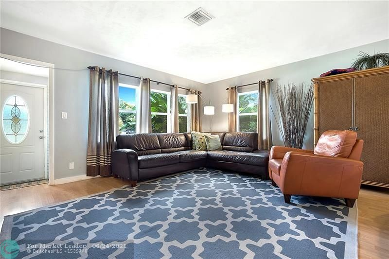 Photo of 411 NE 27th St, Wilton Manors, FL 33334 (MLS # F10289980)