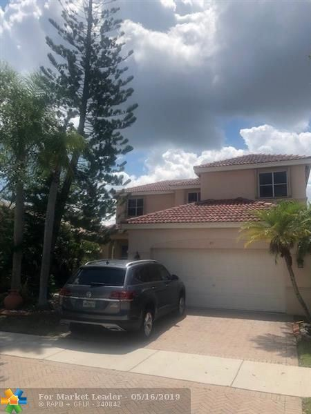 Photo for 671 Vista Meadows Dr, Weston, FL 33327 (MLS # F10175989)