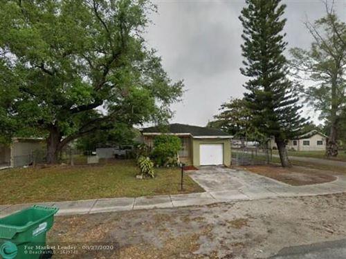 Foto de inmueble con direccion 1901 NW 83rd Ter Miami FL 33147 con MLS F10245993