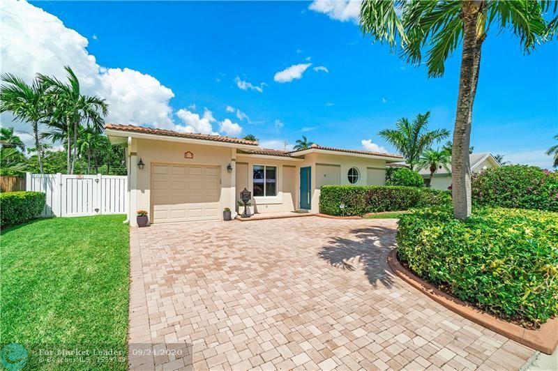 Photo of 819 SE 16th St, Deerfield Beach, FL 33441 (MLS # F10249995)