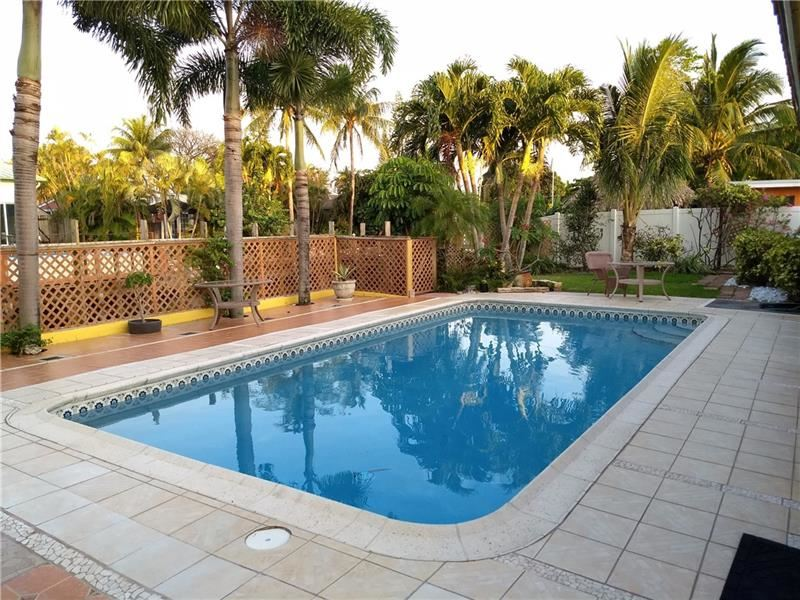 Photo of 2000 SW 23rd Ter, Fort Lauderdale, FL 33312 (MLS # F10282996)