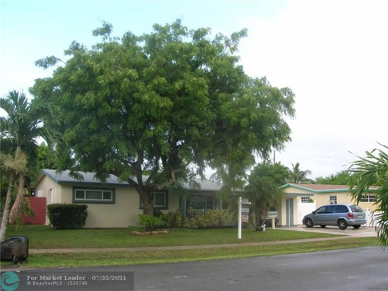 Photo of 2016 SW 37th Ave, Fort Lauderdale, FL 33312 (MLS # F10293996)