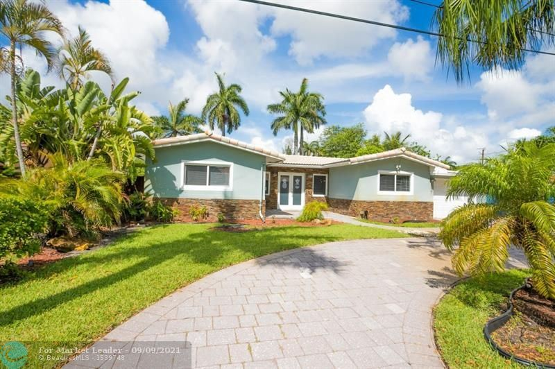 Photo of 2541 NW 9th Ter, Wilton Manors, FL 33311 (MLS # F10299997)