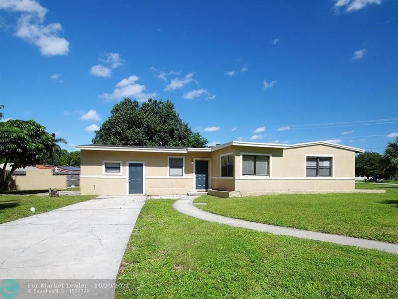 Photo of 3201 Glendale Blvd, Fort Lauderdale, FL 33312 (MLS # F10304998)