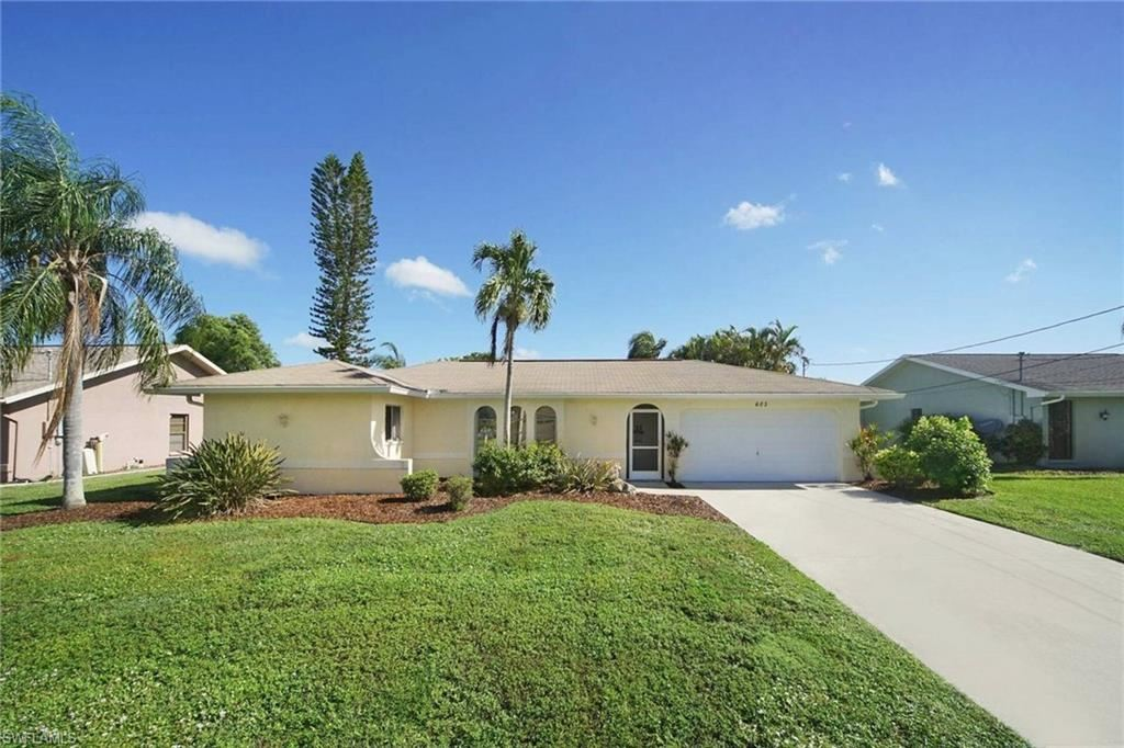 605 SE 28th Terrace, Cape Coral, FL 33904 - #: 220045005