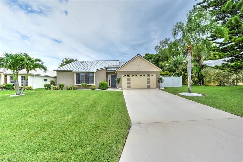 4337 SW 1st Place, Cape Coral, FL 33914 - #: 221056066