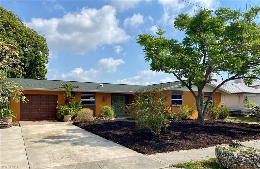 1794 Lakeview Boulevard, North Fort Myers, FL 33903 - #: 221029092