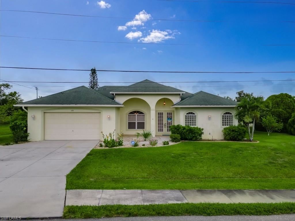 228 Nicholas Parkway E, Cape Coral, FL 33990 - #: 221047109