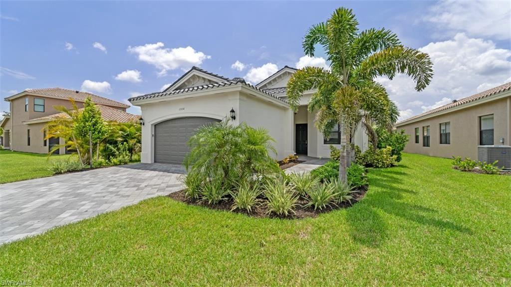 11536 Foxbriar Lane, Fort Myers, FL 33913 - #: 221056110