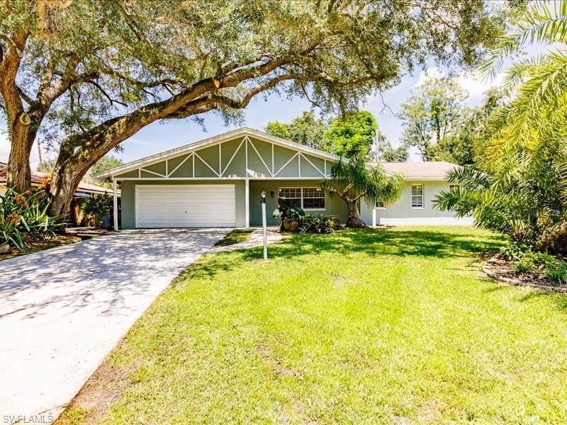 4715 Mi Casa Court, Fort Myers, FL 33901 - #: 221065117